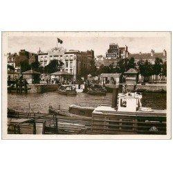56 LORIENT. Bateau de Port Louis et Chambre de Commerce 1938. Carte émaillographie. BYRRH et LION NOIR panneaux
