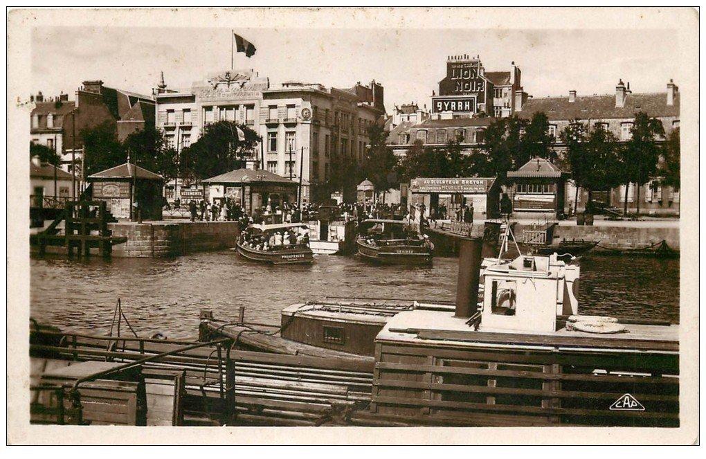 56 lorient bateau de port louis et chambre de commerce for Poste chambre de commerce