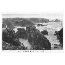 carte postale ancienne 56 PRESQU'ILE DE QUIBERON. Port Pigeon animé