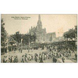 carte postale ancienne 56 SAINTE-ANNE-D'AURAY. Basilique Arrivée des Pélerinages