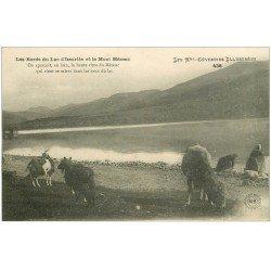 carte postale ancienne 07 Lac Issarles. Lavandières, chèvres et vaches. Mont Mézenc