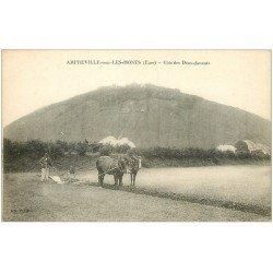 carte postale ancienne 27 AMFREVILLE-SOUS-LES-MONTS. Laboureur et Chevaux Côte des des Deux Amants