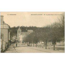 carte postale ancienne 27 BEAUMONT-LE-ROGER. Rue de la Gare Grande Place