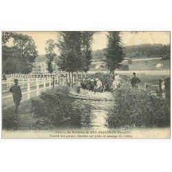carte postale ancienne 27 BEC-HELLOUIN. Travail jeunes Chevaux et passage de Rivière Annexe de Remonte 1914