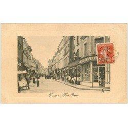 carte postale ancienne 27 BERNAY. La Rue Thiers 1911 Vendeur de Glaces ambulant