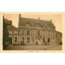 carte postale ancienne 27 BERNAY. Le Musée avec Fillette