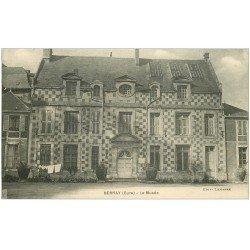 carte postale ancienne 27 BERNAY. Le Musée avec linge tendu