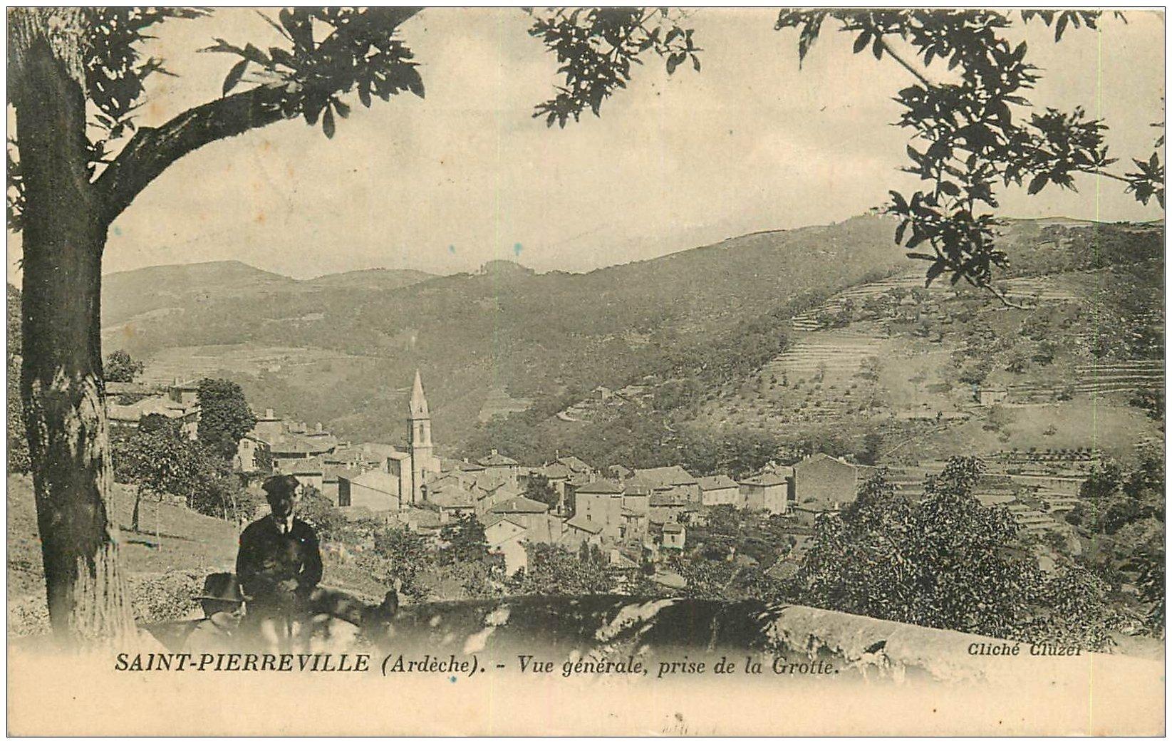 carte postale ancienne 07 SAINT-PIERREVILLE. Le Village et personnages assis 1926