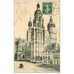 carte postale ancienne 27 EVREUX. Cathédrale 1917 Café Restaurant