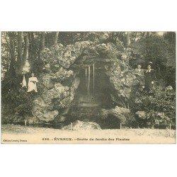 carte postale ancienne 27 EVREUX. Grotte Jardin des Plantes animation 1909
