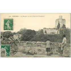 carte postale ancienne 27 GISORS. Le Donjon 1914 et Enfant sur Tour du Prisonnier