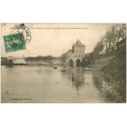 carte postale ancienne 08 CHARLEVILLE MEZIERES. Canoistes Vieux Moulin 1919