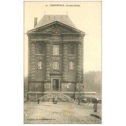 carte postale ancienne 08 CHARLEVILLE MEZIERES. Le Vieux Moulin. Livraison en brouette