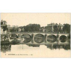 carte postale ancienne 08 CHARLEVILLE MEZIERES. Pont d'Arches 5 Lavandières