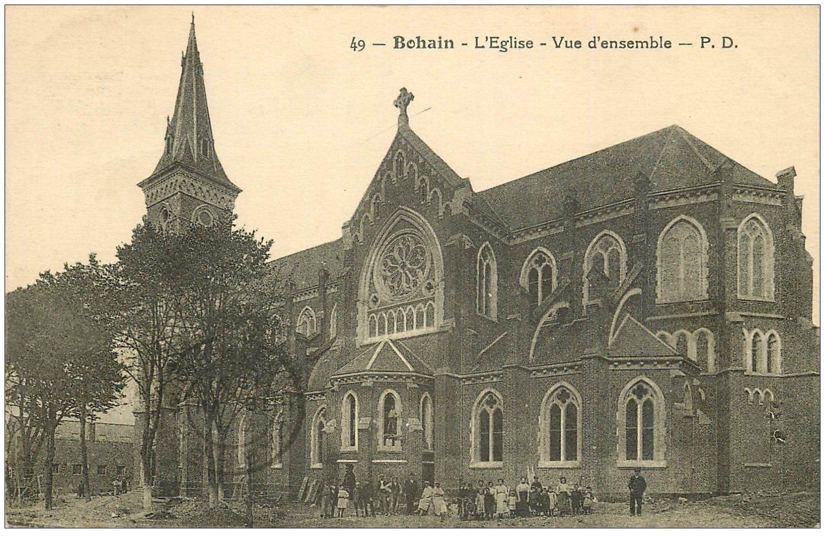 carte postale ancienne 02 BOHAIN. L'Eglise 1931. Animation