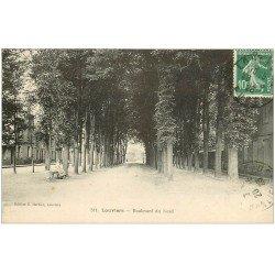 carte postale ancienne 27 LOUVIERS. Boulevard du Nord 1923 femme assise