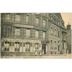 carte postale ancienne 08 CHARLEVILLE. Terminus Hôtel Avenue Mézières Place de la Gare. Buffet de la Gare