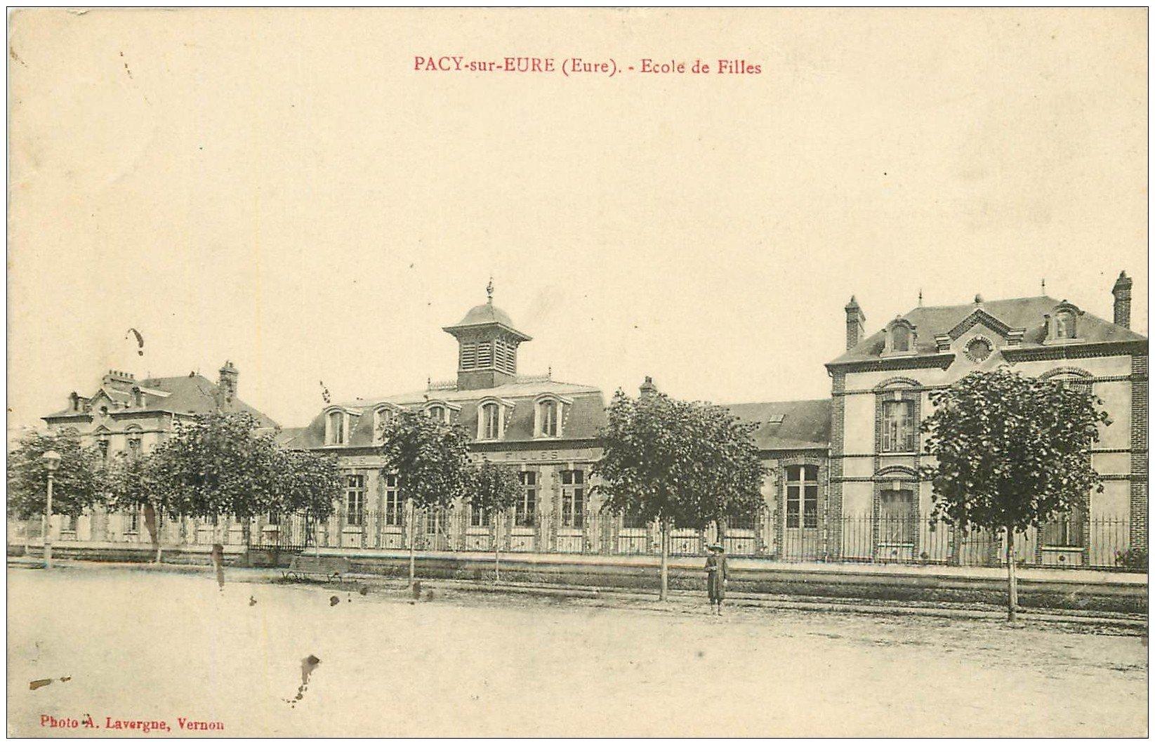 carte postale ancienne 27 PACY-SUR-EURE. Ecole de Filles 1915
