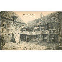 carte postale ancienne 27 PONT-AUDEMER. Cour Rue République 1928