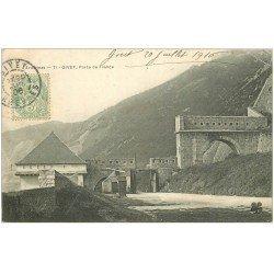carte postale ancienne 08 GIVET. Porte de France 1906