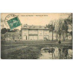 carte postale ancienne 27 VERNEUIL-SUR-AVRE. Ecole des Roche. Pavillon du Vallon 1910 enfant