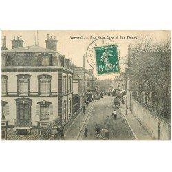 carte postale ancienne 27 VERNEUIL-SUR-AVRE. Rues de la Gare et Thiers 1911