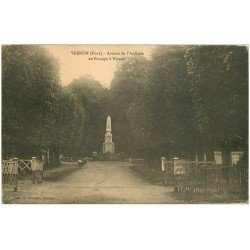 carte postale ancienne 27 VERNON. Avenue Ardèche Passage à niveau