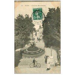carte postale ancienne 41 BLOIS. Cycliste Escalier Monumental 1910