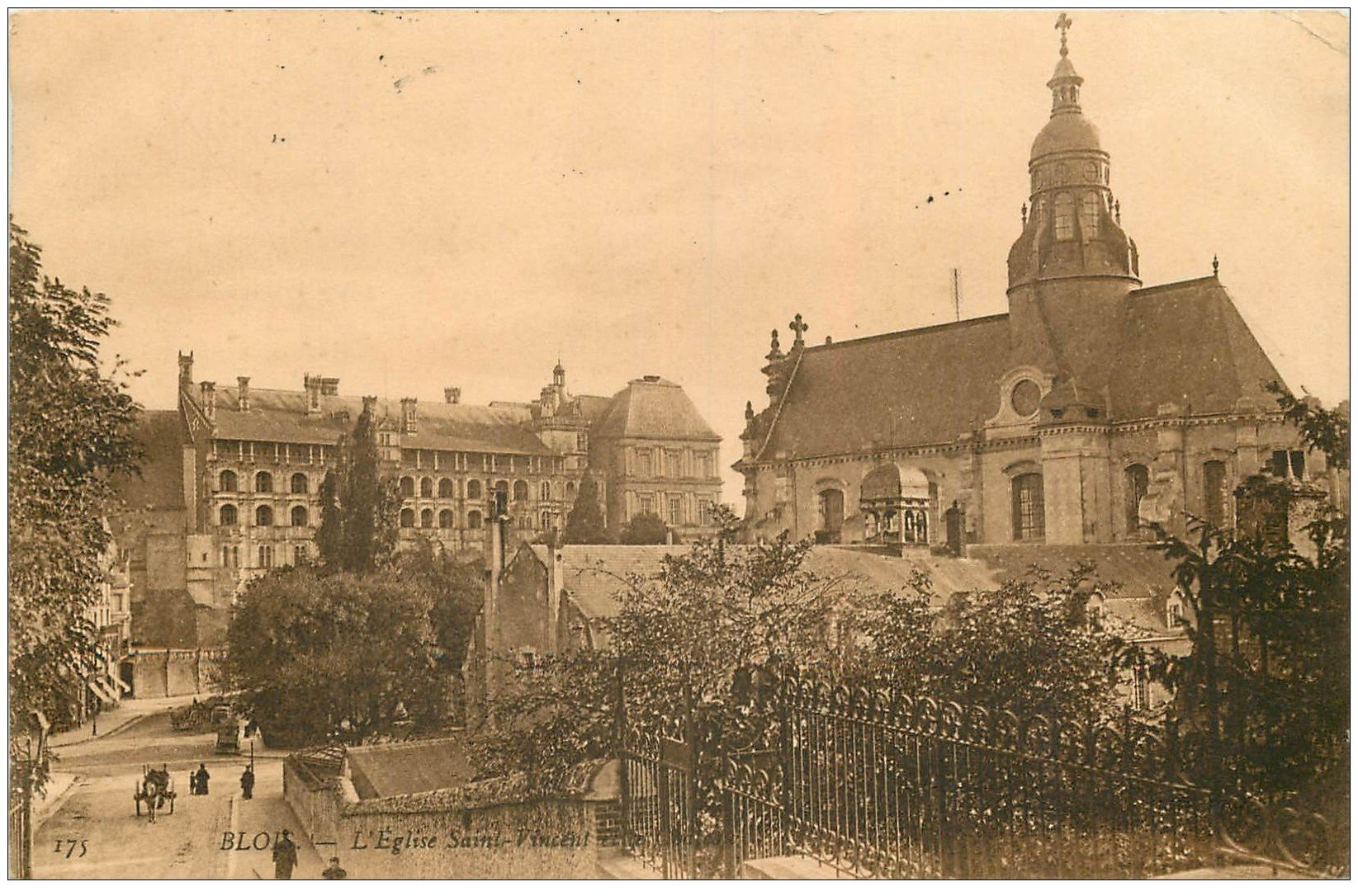 carte postale ancienne 41 BLOIS. Eglise Saint-Vincent 1909. Sépia 175