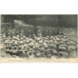 carte postale ancienne 08 MEZIERES. Le Kronprinz et Boys-Scouts Square Bayard en 1918