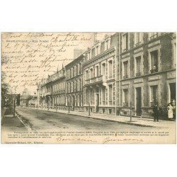carte postale ancienne 08 MEZIERES. Rue Forest 1908. Timbre manquant verso...