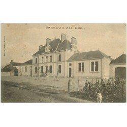 carte postale ancienne 41 MONTLIVAULT. La Mairie et chien 1906