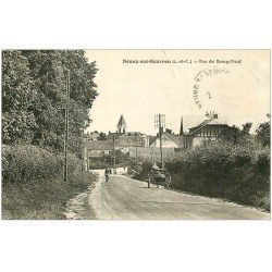 carte postale ancienne 41 NEUNG-SUR-BEUVRON. Rue du Bourg-Neuf . Timbre et texte effacés