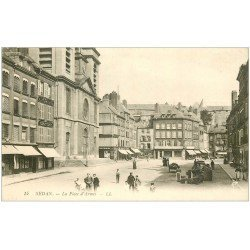 carte postale ancienne 08 SEDAN. Place d'Armes. Magasin à l'Incroyable