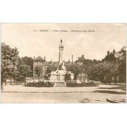 carte postale ancienne 08 SEDAN. Place Nassau Monument aux Morts