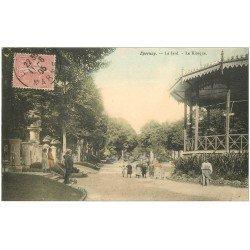 carte postale ancienne 51 EPERNAY. Le Jard 1905 et Kiosque à Musique. Jardinier