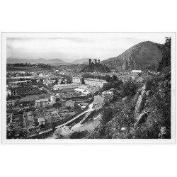 carte postale ancienne 09 FOIX. Panorama vers le Château. Carte Photo émaillographie