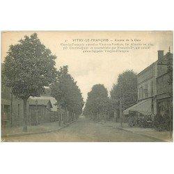 carte postale ancienne 51 VITRY-LE-FRANCOIS. Avenue de la Gare Café Restaurant