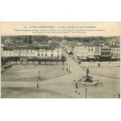 carte postale ancienne 51 VITRY-LE-FRANCOIS. Place d'Armes 1914