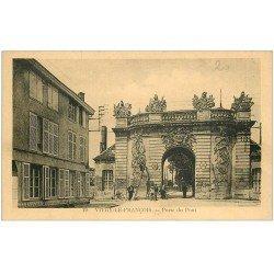 carte postale ancienne 51 VITRY-LE-FRANCOIS. Porte du Pont 1933
