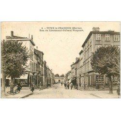 carte postale ancienne 51 VITRY-LE-FRANCOIS. Rue du Lieutenant-Colonel Picquart 1927