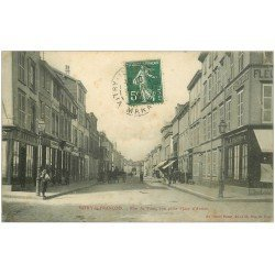 carte postale ancienne 51 VITRY-LE-FRANCOIS. Rue du Pont 1909 Fleurs artificielles