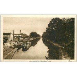 carte postale ancienne 42 ROANNE. Chargement d'une Péniche Bords du Canal