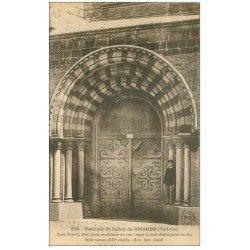 carte postale ancienne 43 BRIOUDE. Portail Basilique avec personnage