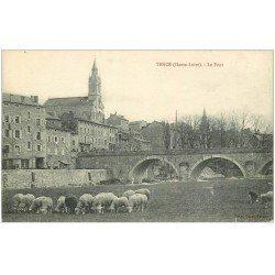 carte postale ancienne 43 TENCE. Le Pont et troupeau de Moutons