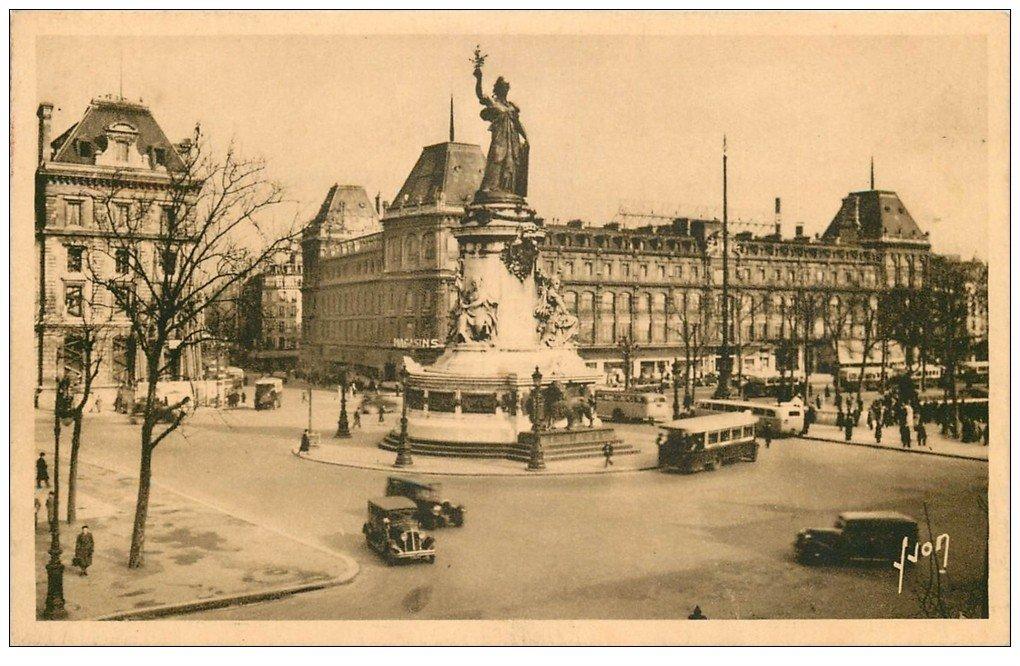 carte postale ancienne 75 PARIS 10. Place de la République et Magasins Réunis. Timbre vierge