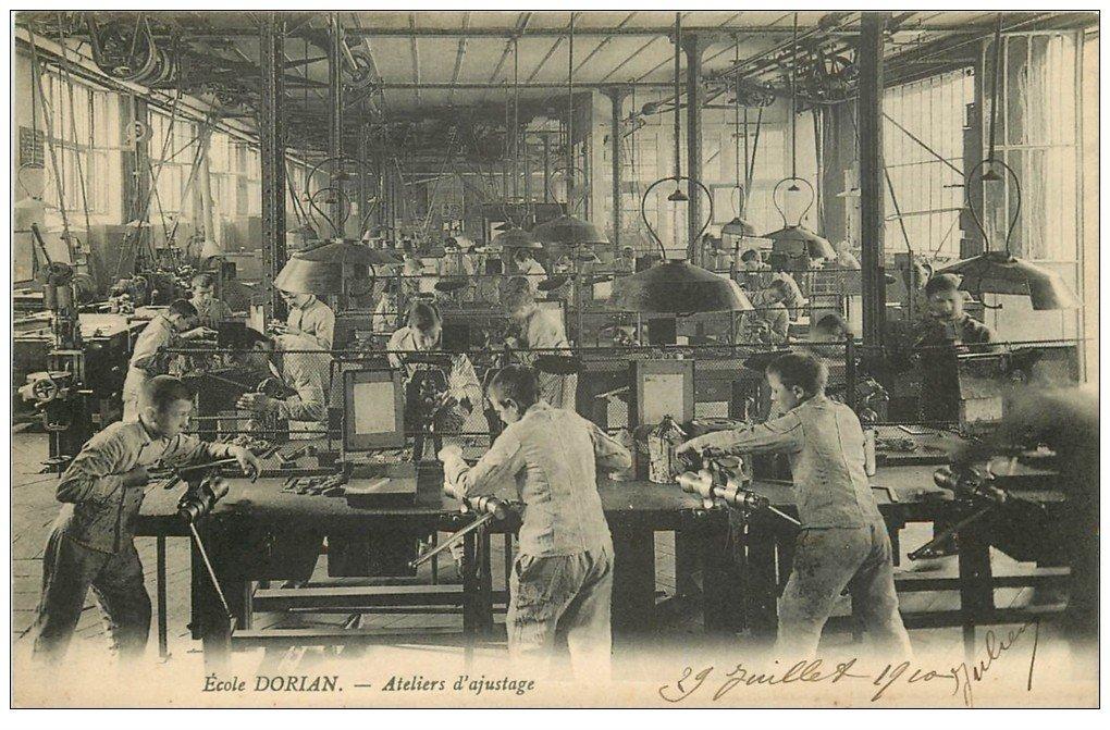 PARIS 11. Ecole Dorian avenue Philippe Auguste. Ateliers d'ajustage 1910. Apprentissages et Métiers