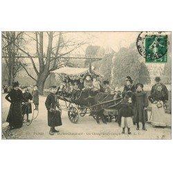 carte postale ancienne 75 PARIS 19. Buttes-Chaumont. Un Chargement Complet 1907. Ballade avec Ane