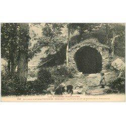 carte postale ancienne 09 SORGEAT. Fontaine et Laveuses au Lavoir de la Mouleille