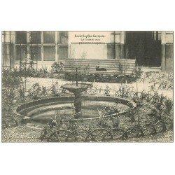 PARIS 04. Ecole Sophie-Germain. Le Bassin aux Poissons rouges